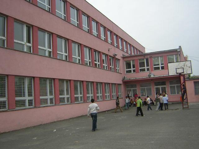 osnovna skola ivan gundulic novi sad slika skole
