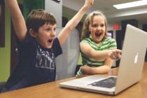 Učiti decu šta su lažne vesti i kritičko mišljenje