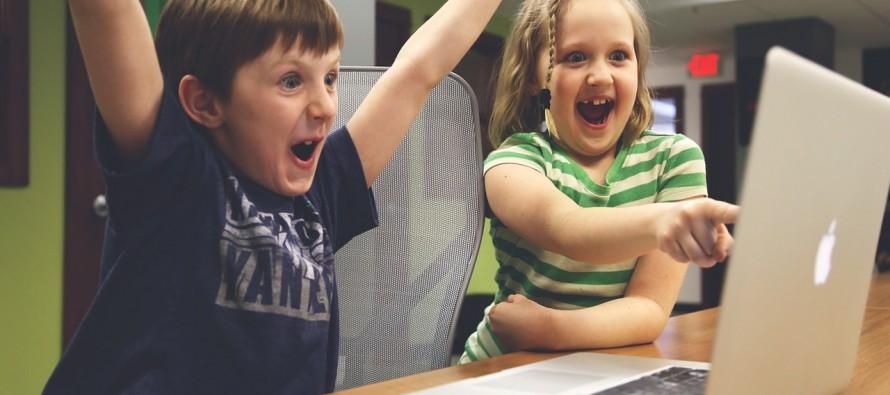 Deca na društvenim mrežama: Kada je pravo vreme?