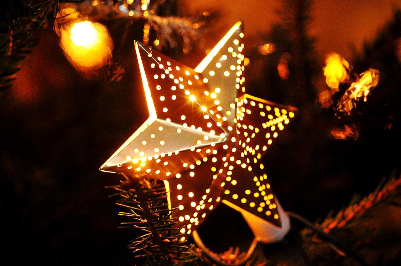 christmas-743431_1280