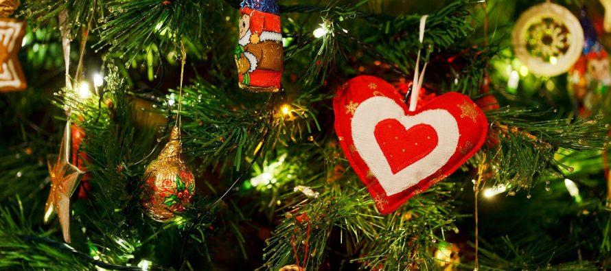 Istorija i značenje okićene jelke za praznike