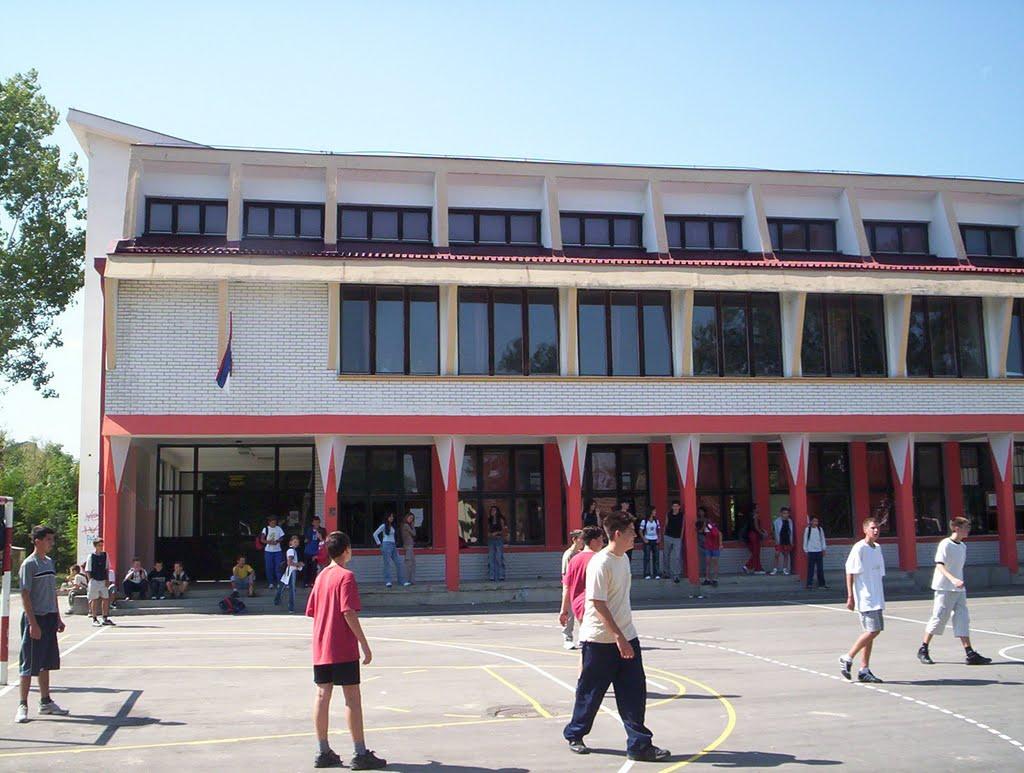 osnovna skola 14 oktobar baric slika skole