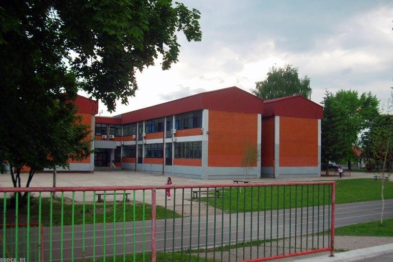osnovna skola rade drainac slika skole