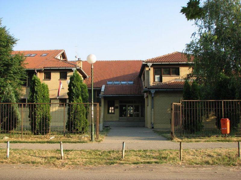 osnovna skola miroslav mika antic pancevo slika skole