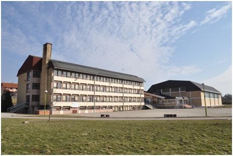 osnovna skola karadjordje raca slika skole