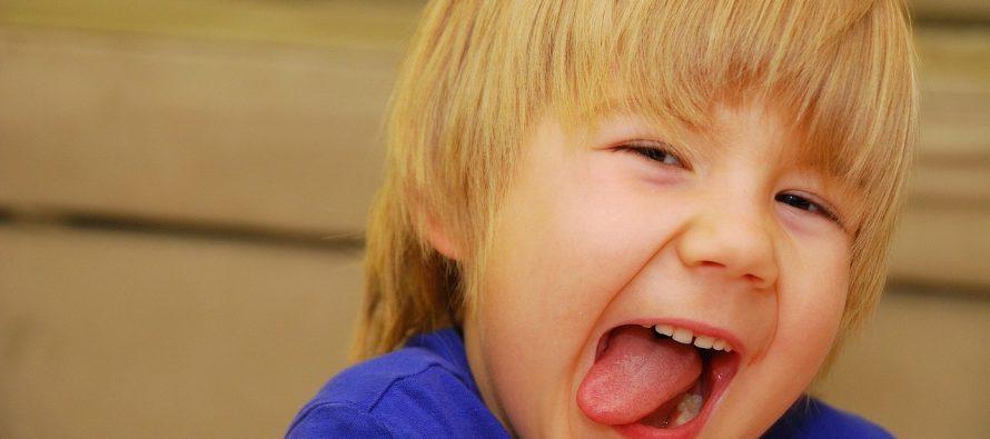 Naučite decu da ne prekidaju tuđ razgovor!