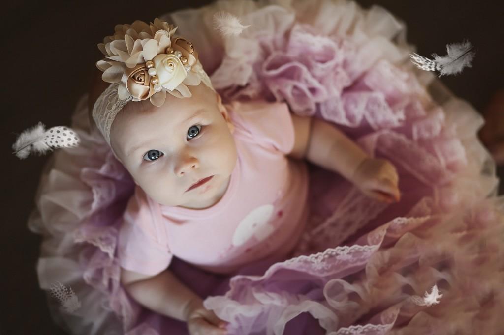 beba sa plavim očima