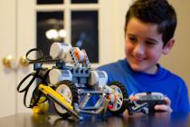 Inspirisani decom pokrenuli edukativni program Škola robotike i programiranja za decu